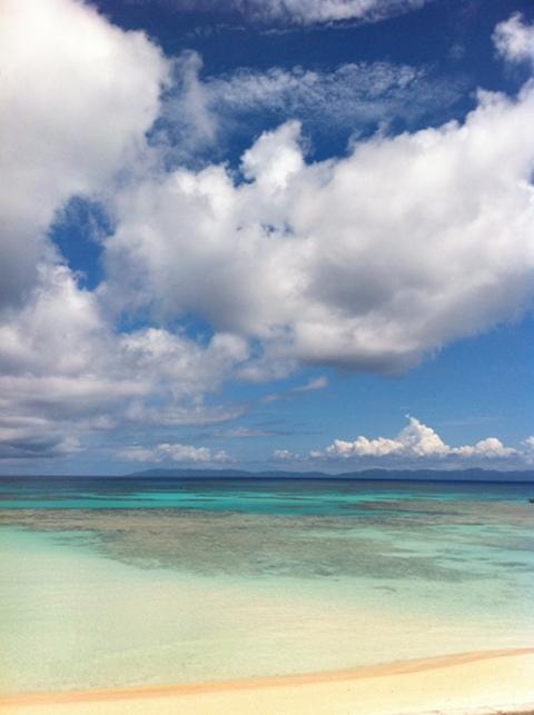 波照間の空と雲と海。